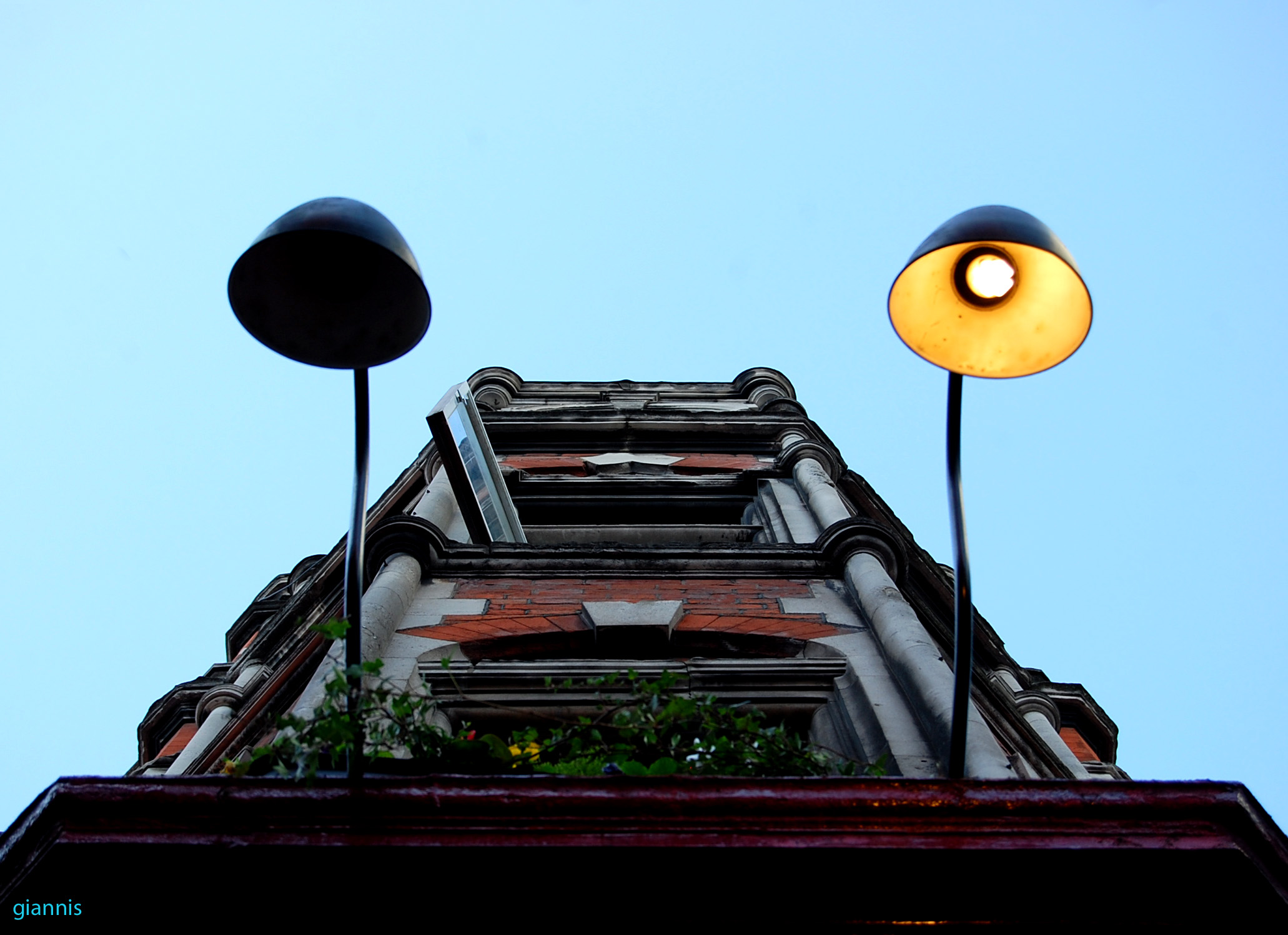 jealous-lamp_london2011